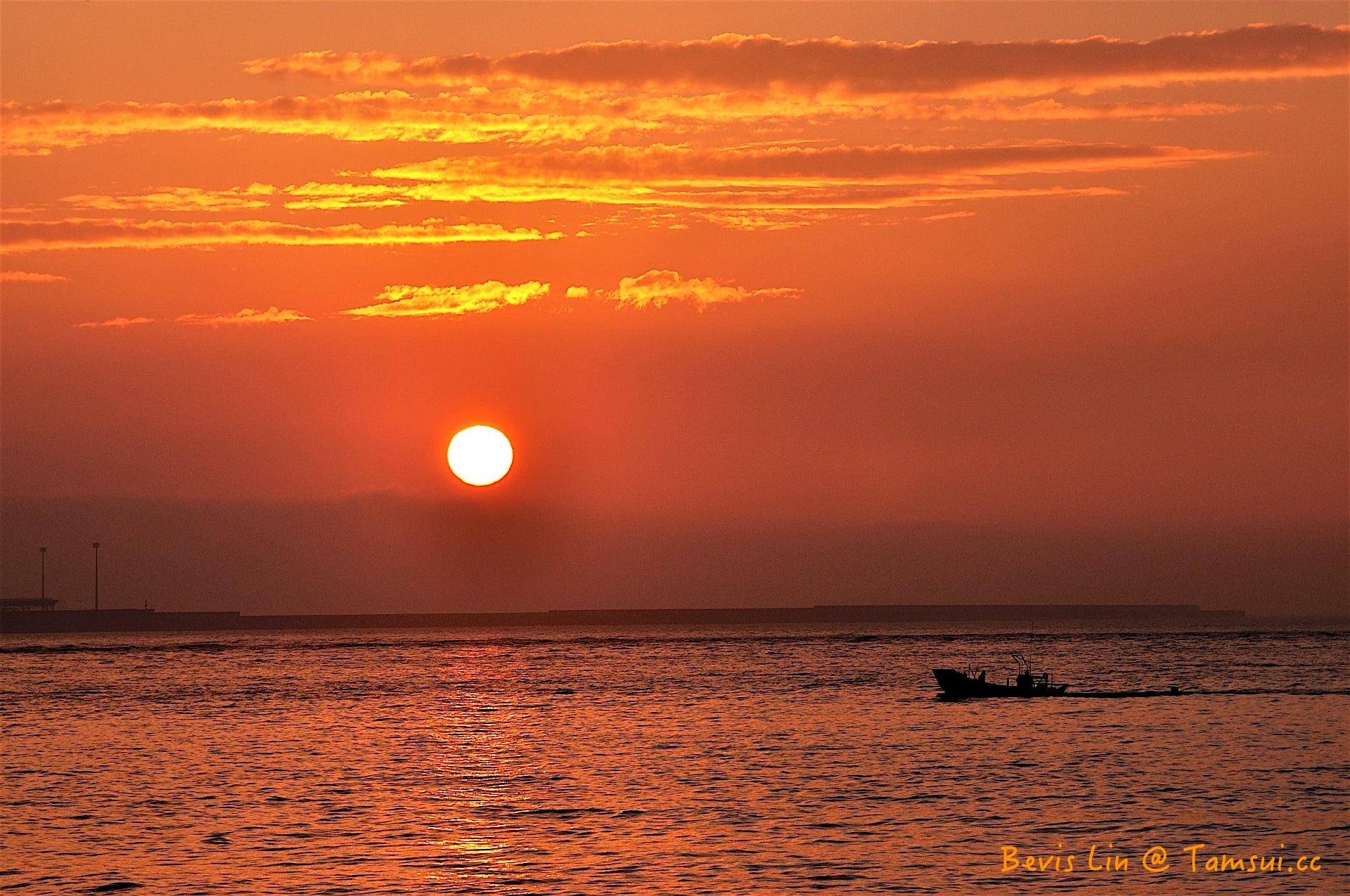 20120213_174045_淡水河_夕陽_漁舟