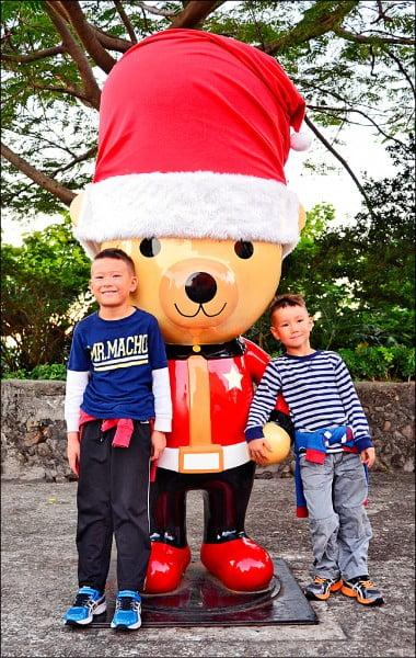 淡水古蹟博物館園區亮起美麗燈飾 營造聖誕節歡愉氛圍 Woody Doll Tamsui Monuments Museum Christmas 1